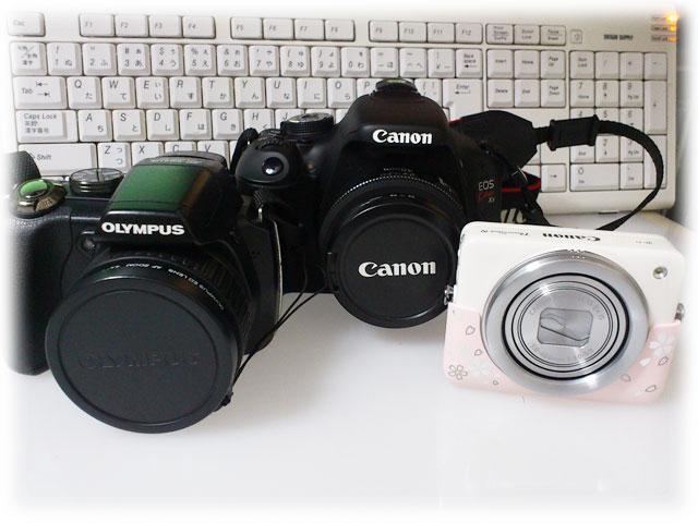 左:Olympus SP565UZ/中:Canon EOS Kiss X5/右:Power Shot N